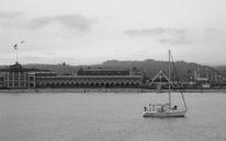 boardwalk-boat-bw